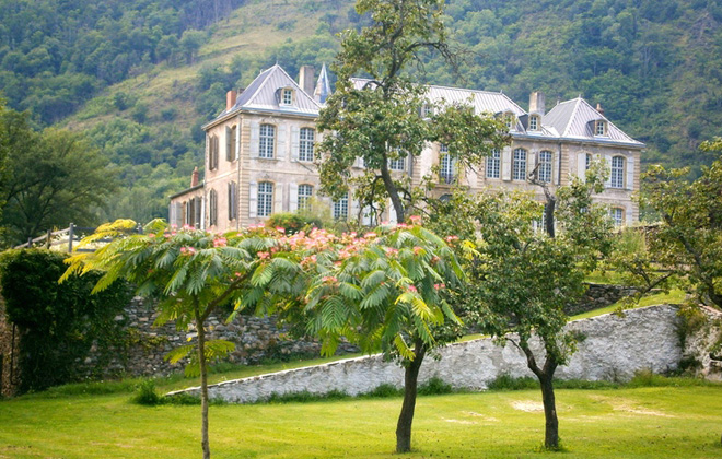 Restoring the Chateau de Gudanes.
