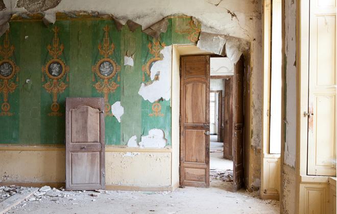 _chataeu-hallway-restoration